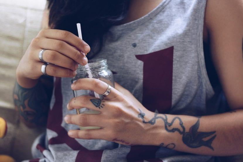 Tatuajes de diamante dedo