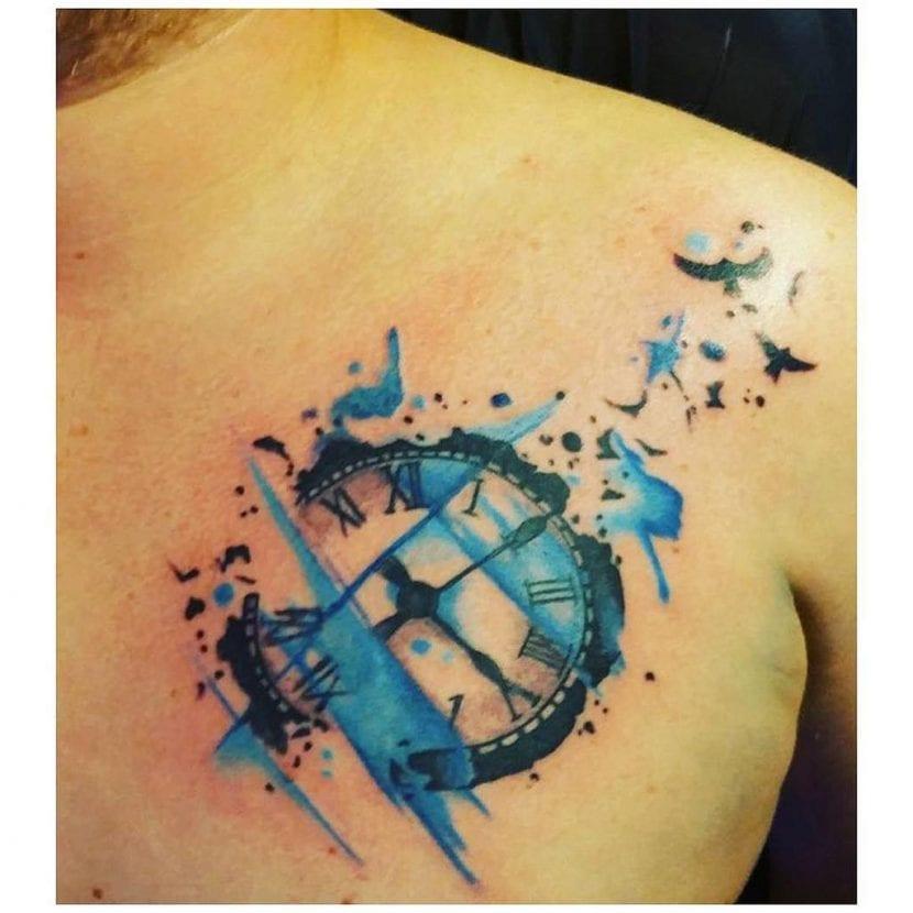 Tatuajes de reloj zul