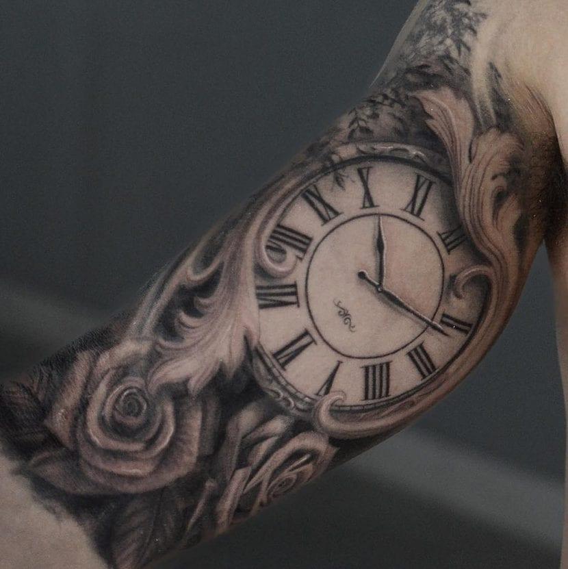 Tatuajes de reloj rosas