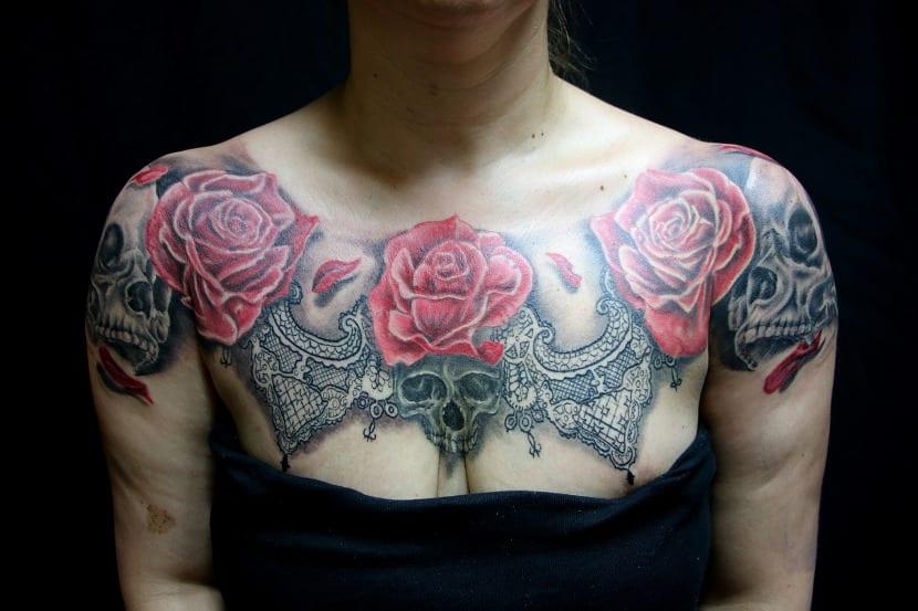 Tatuaje en el pecho