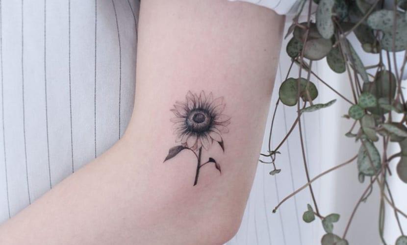 Tatuajes discretos de girasoles