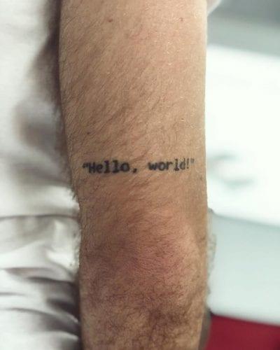 Tatuajes para informáticos pierna