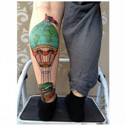 Tatuajes de globo pierna
