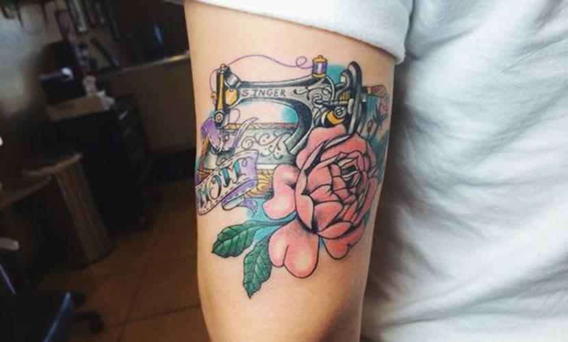 Tatuajes de máquinas de coser, recopilación e ideas