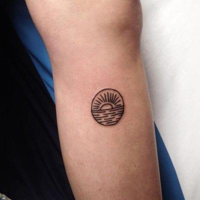 Tatuajes de puestas de sol sencillo