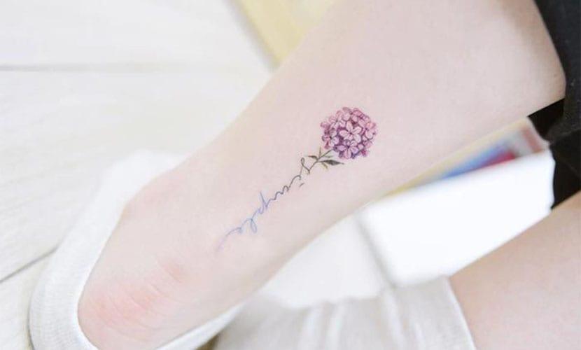 Tatuajes de flores elegantes