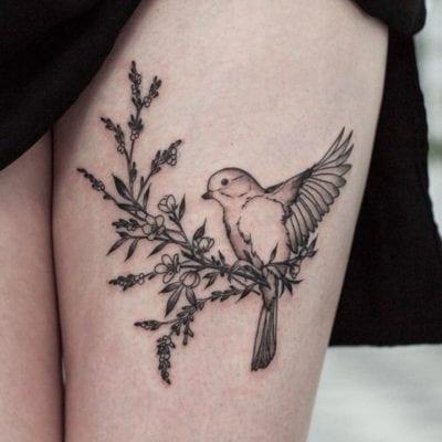 Tatuajes de pajaritos pierna