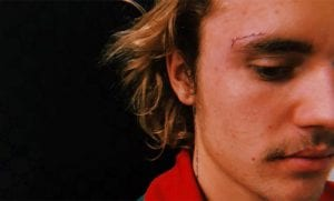 Justin Bieber se tatúa la cara