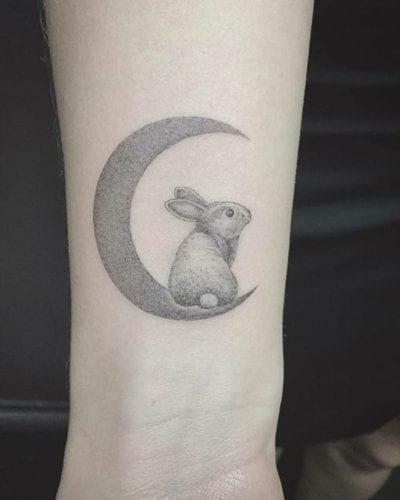 Tatuajes de cuento conejo y Luna