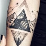 Tatuajes de triángulos rellenos