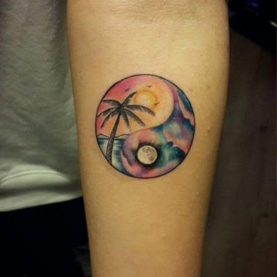 Tatuajes de Yin y Yang color