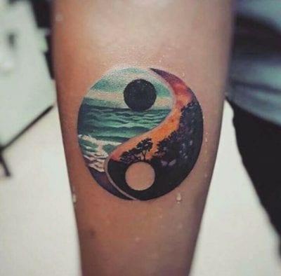 Tatuajes de Yin y Yang paisaje