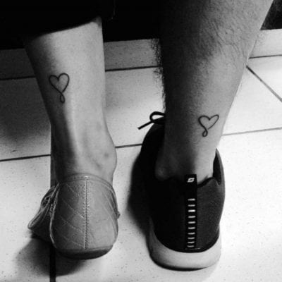 Tatuajes en los talones corazón