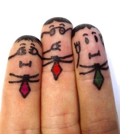 Tatuajes en la punta de los dedos señores