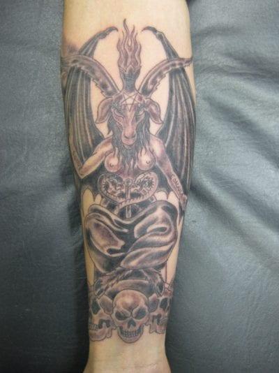 Tatuajes del diablo brazo