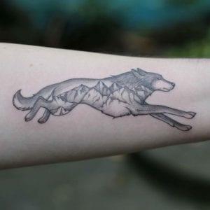 Tatuajes de Bosques con Lobos