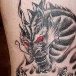 Tatuajes de dragones en el antebrazo