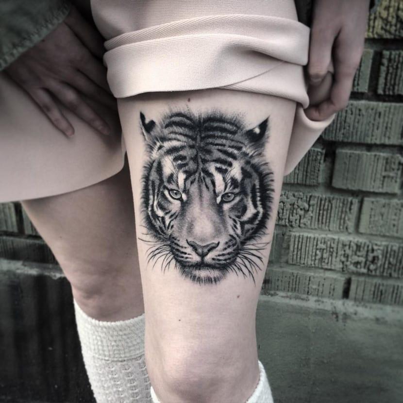 Tatuajes de Tigres en la Pierna