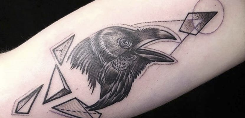 Tatuajes de cuervos en clave moderna