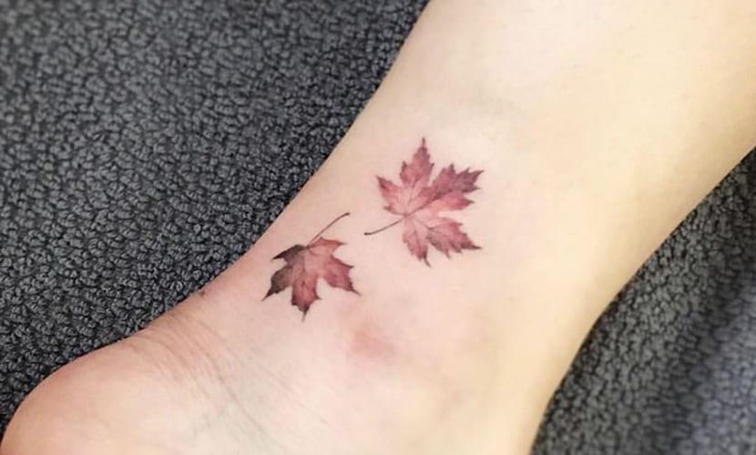 Tatuajes de hojas secas