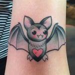 Tatuajes pequeños de murciélagos