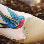 Tatuajes de golondrinas a color