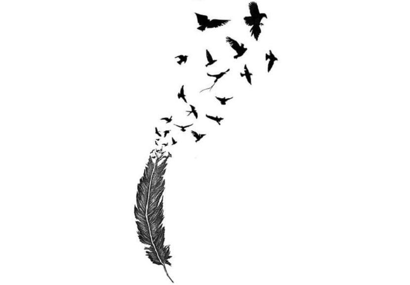 tatuaje plumas con aves