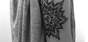 Tatuajes sobre el codo