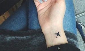 Tatuajes pequeños de aviones