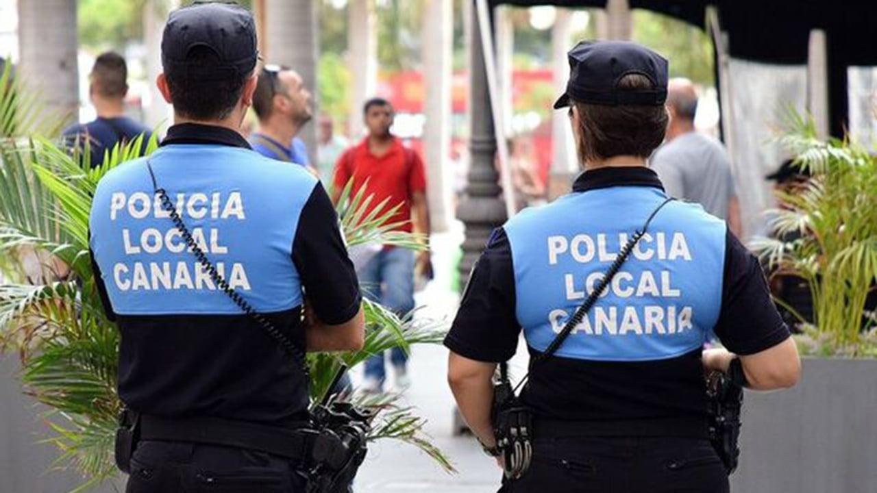 Tatuajes en la policía local de Santa Cruz de Tenerife