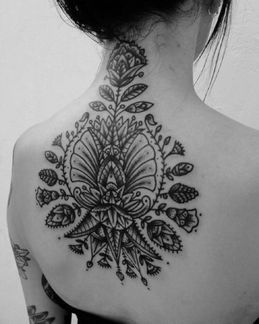 Tatuajes de Árbol Surrealista