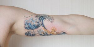 Tatuaje de olas