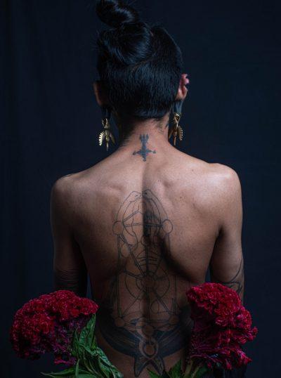 Tatuajes en Toda la Espalda Negro