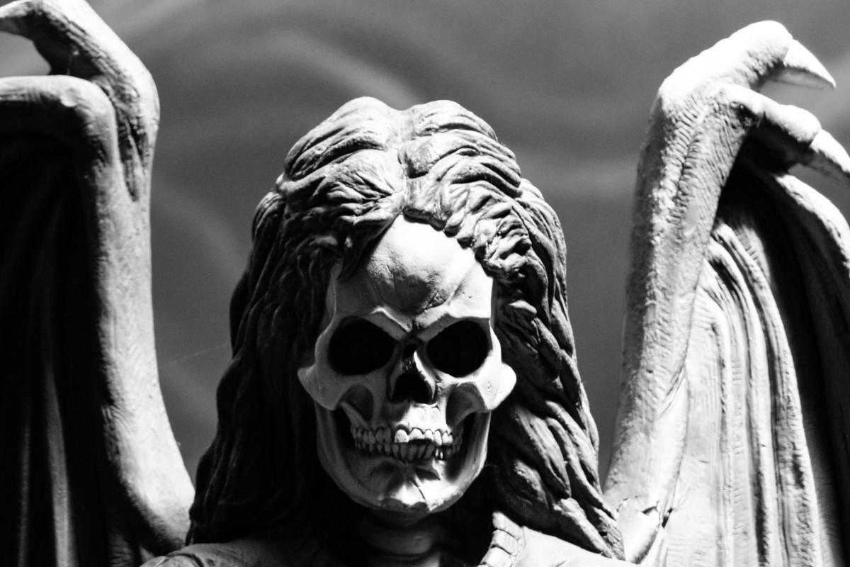 Tatuajes de Ángel de la Muerte Estatua