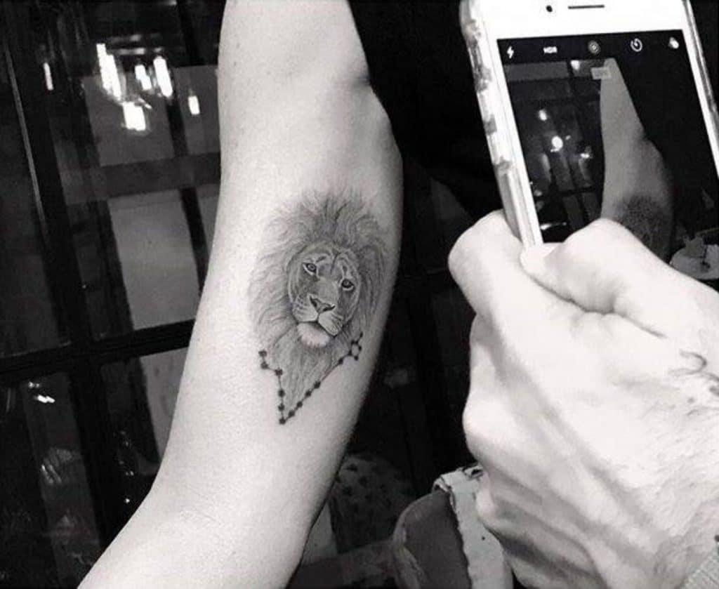 Tatuajes Estrellas Pequeñas León