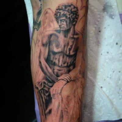 Tatuajes San Miguel Arcángel Brazo