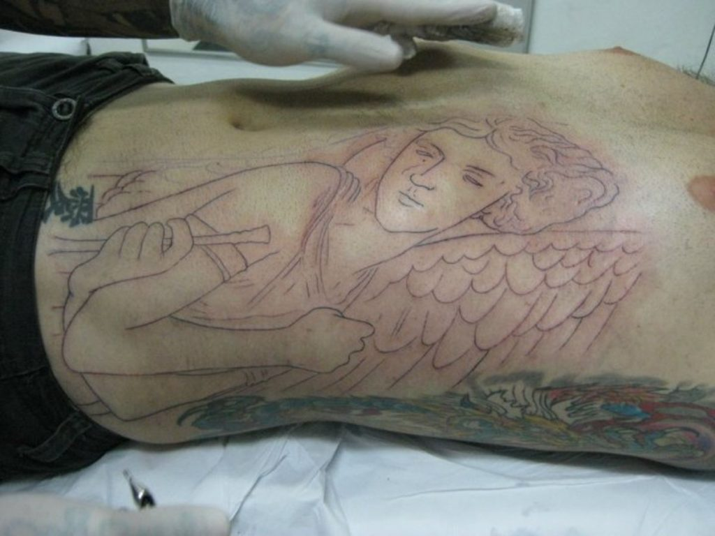Tatuajes San Miguel Arcángel Costado