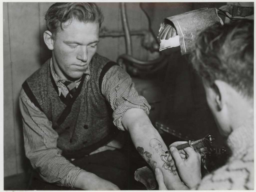 Sutherland MacDonald Tatuador