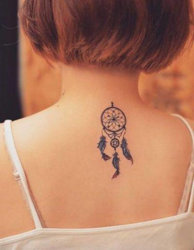 Tatuaje de Atrapasueño Cuello