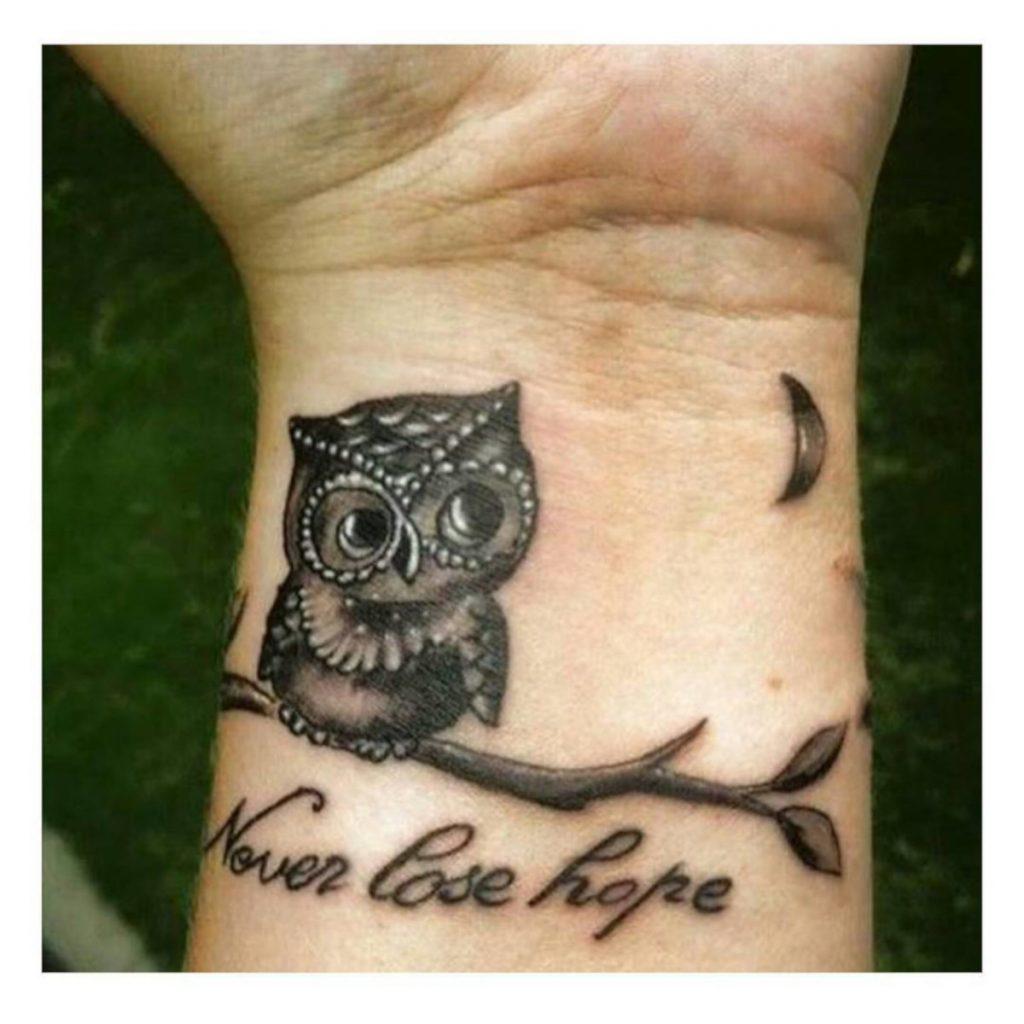 Tatuajes con Búho Muñeca