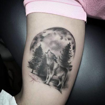 Tatuajes de Lobos Aullando Luna