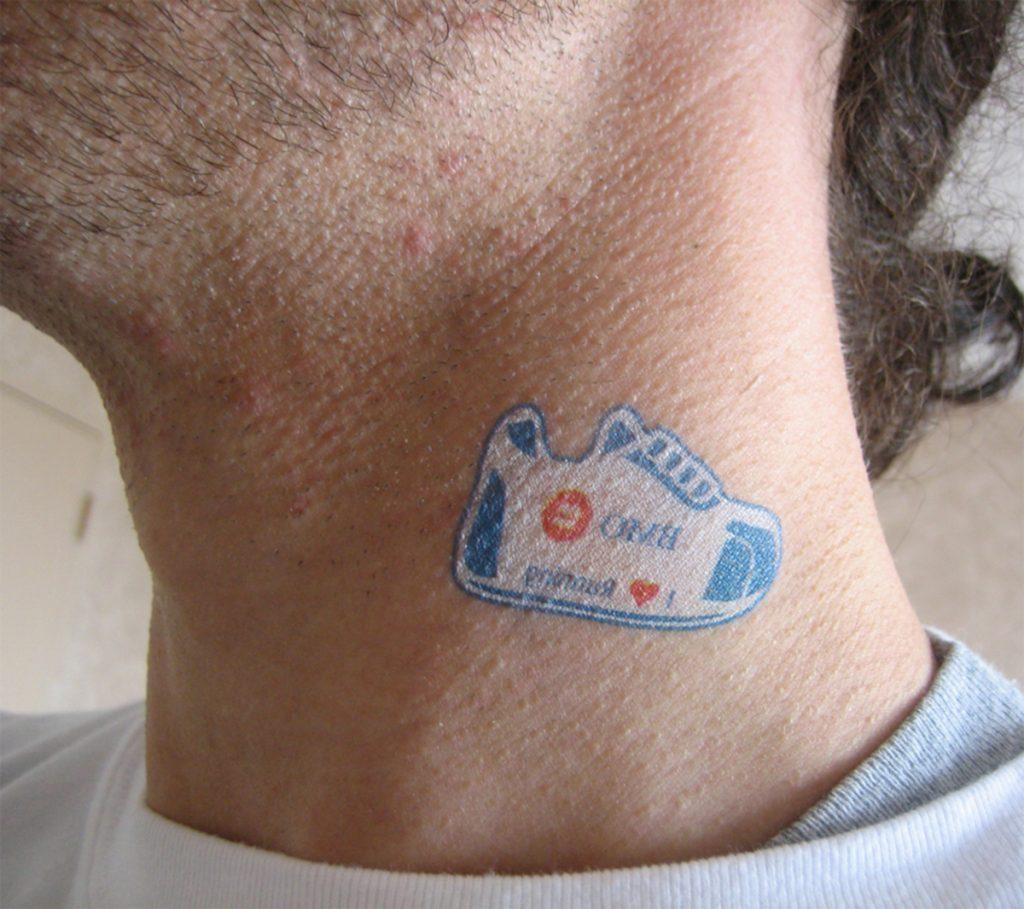Tatuajes de Mentira Cuello