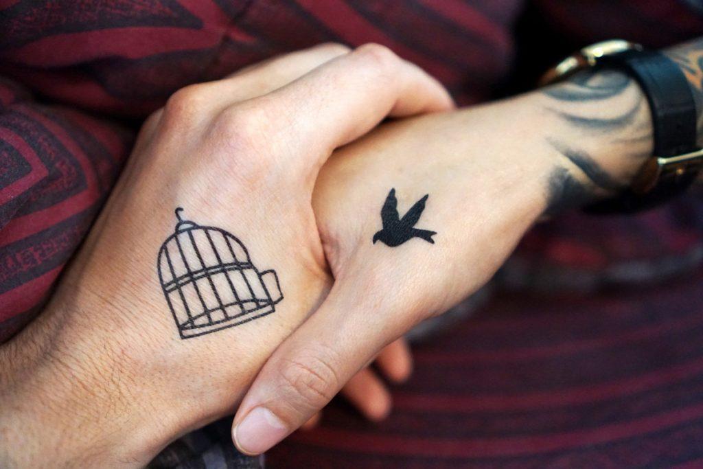 Tatuajes de Pájaros Volando Jaula