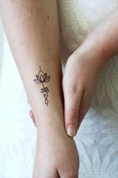 Tatuajes de Unalome Brazo