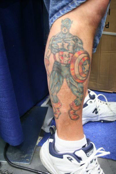 Tatuaje Capitán América Pierna