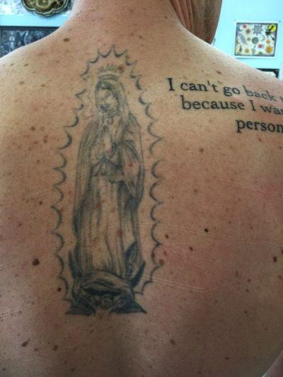 Tatuaje Virgen Espalda