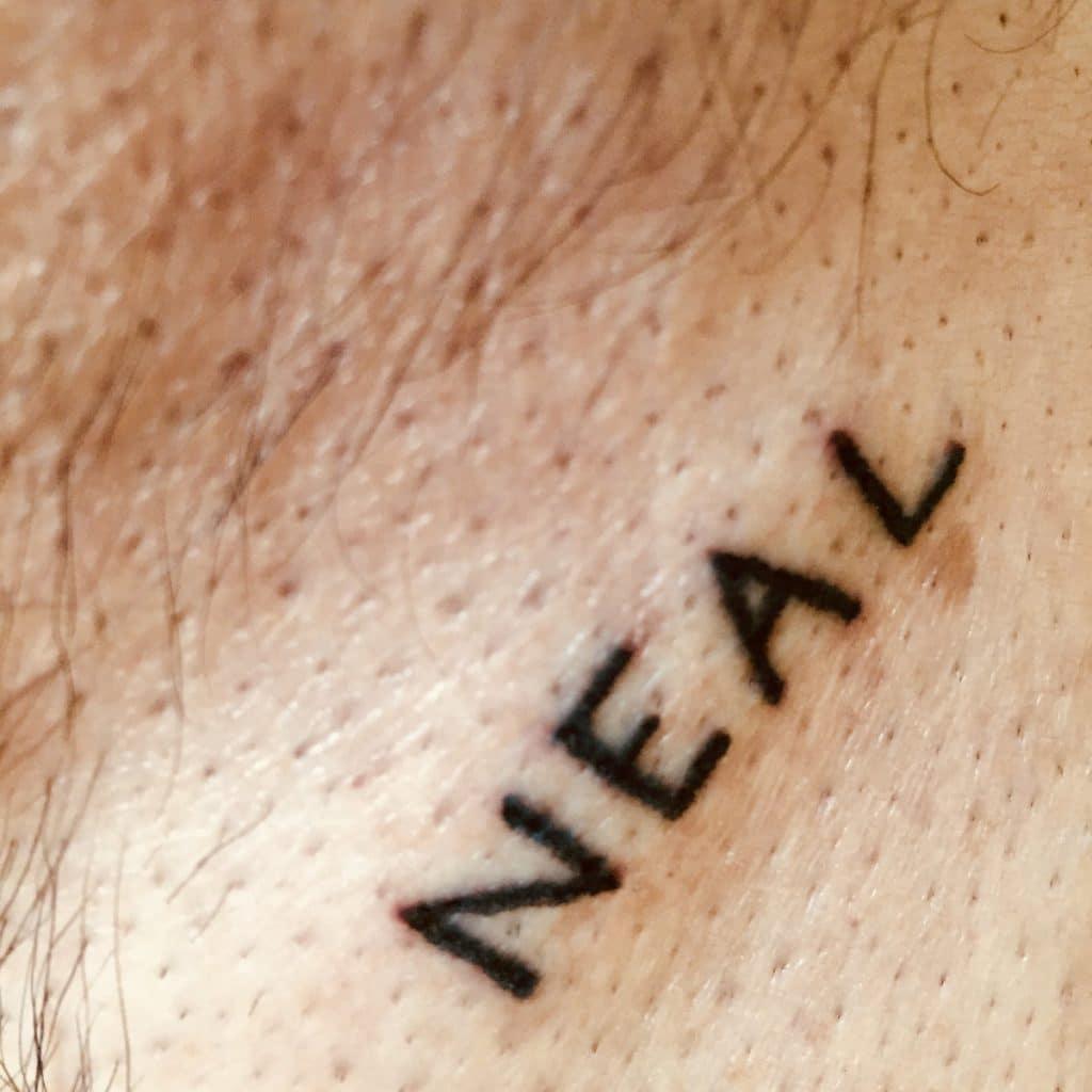 Tatuaje Handpoke Nombre