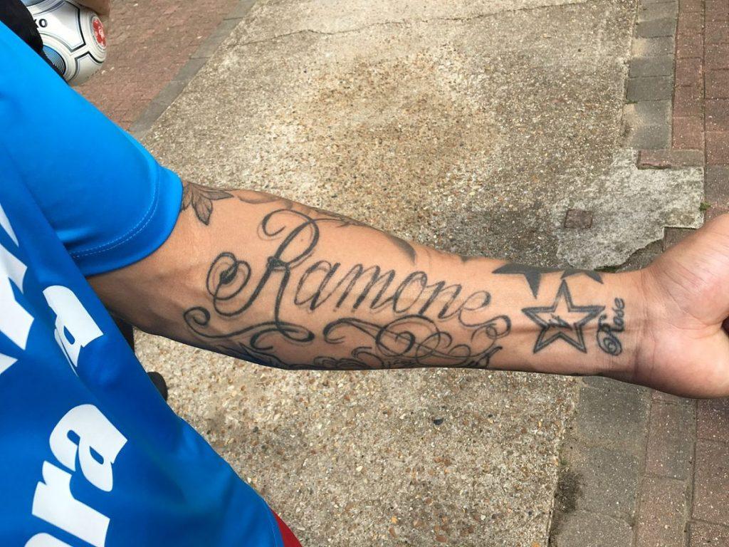 Tatuajes de Nombres de Hijos Brazo