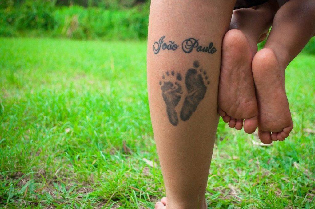 Tatuajes de Nombres de Hijos Huella