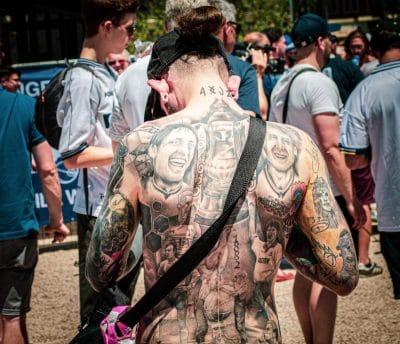 Tatuajes en Todo el Cuerpo Detrás